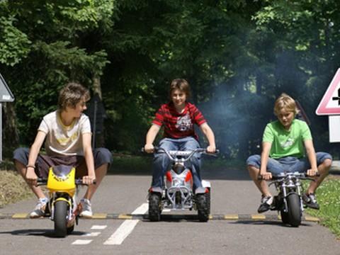 Minibike a čtyřkolky na dopravním hřišti Chrudim